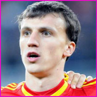 Vlad Chiriches profile, height, wife, family, news and club career