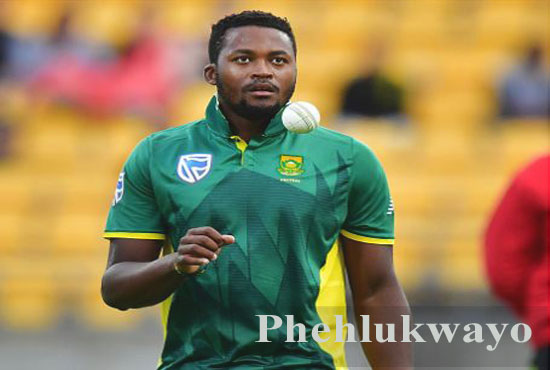 Andile Phehlukwayo Cricketer, batting, IPL, wife, family, age, height and more