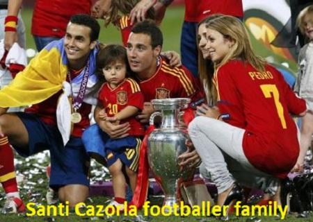 Santi Cazorla with his family