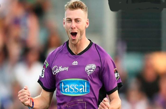 Riley Meredith Cricketer, bowling, IPL, wife, family, age, height and more